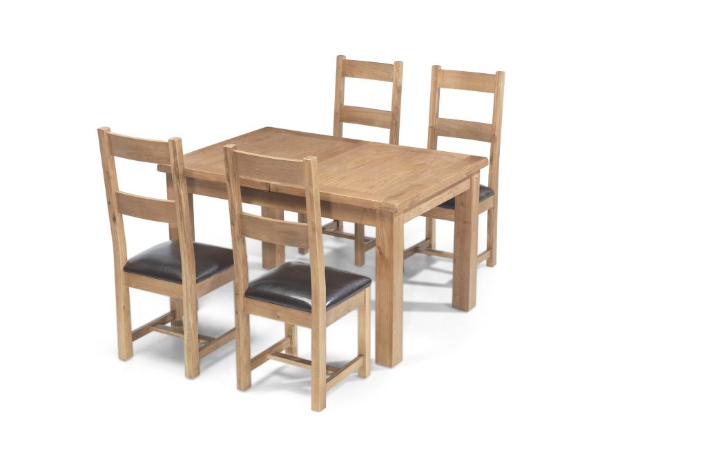 Aylesbury Solid Wood Rustic Oak Large Extending Dining Table With 4 Chairs